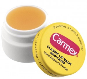 CARMEX MEDICATED BALSAM DO UST CLASSIC 7G